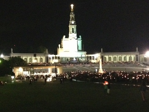 Pilgrims flock to Fatima all year