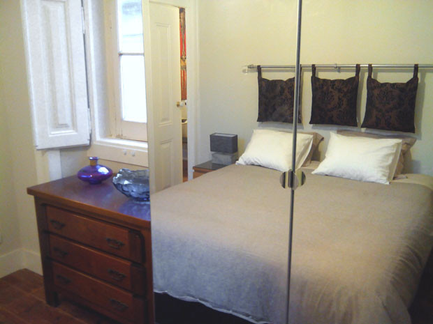 bedroom-mirror.jpg
